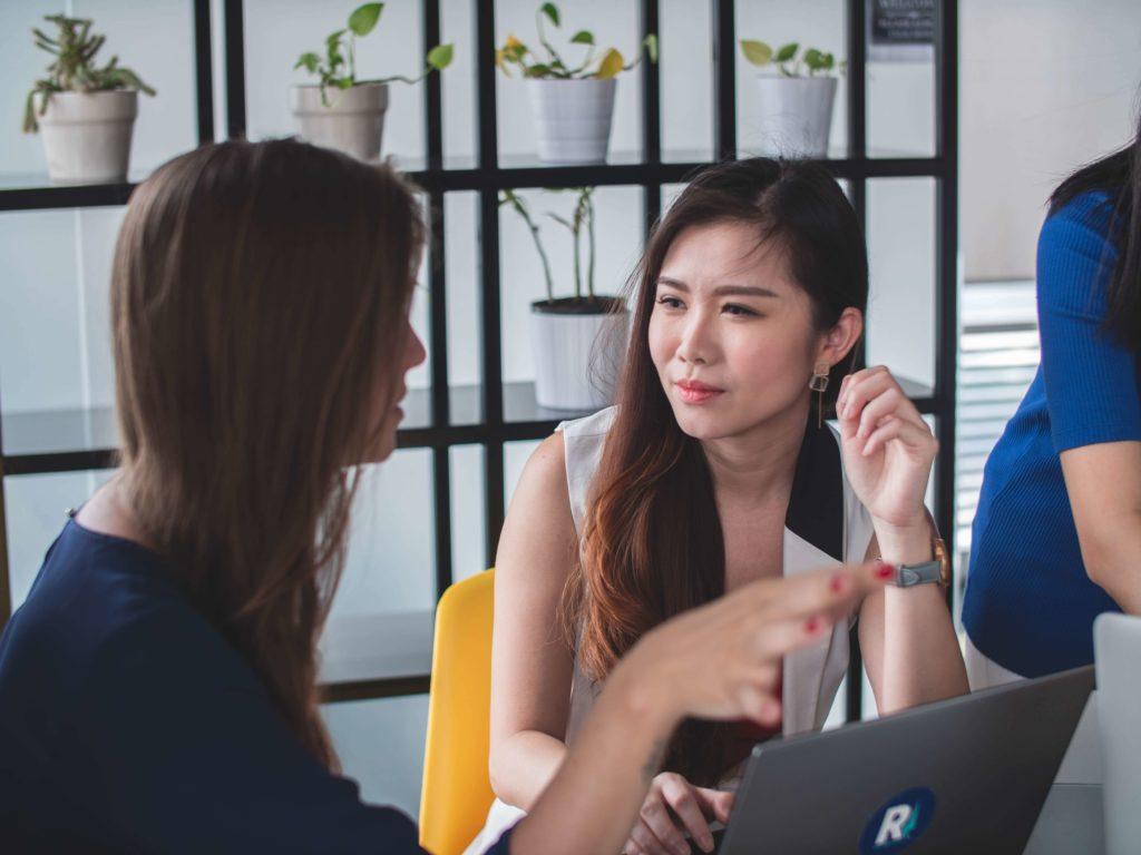kundenbindung introvertiert zuhoeren